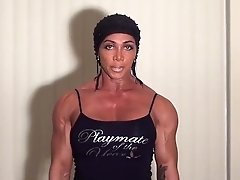Pectoral Home Workout With Latia Del Riviero