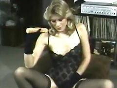 Mature Blonde Beauty Shoves Dildo Up Her Tight Box