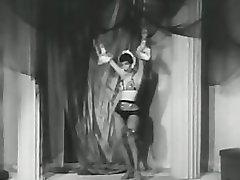 Hot Belly Dancer Does Her Best