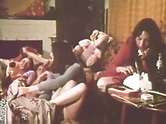 Cindy Wilson & Flora Mcintosh In Cheri Movie